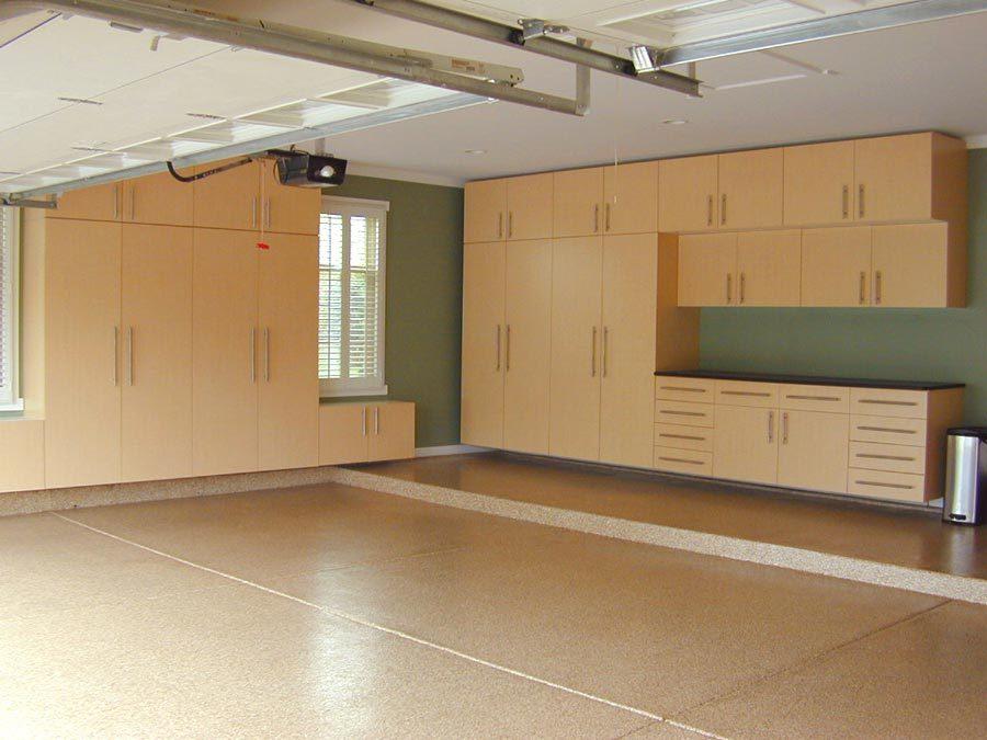 Interlocking Garage Trax Tile Used In Airplane Hangar - Traxtile flooring